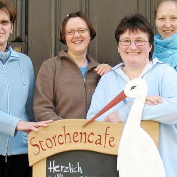 Das erste Storchencafé Team mit Sandra Beck