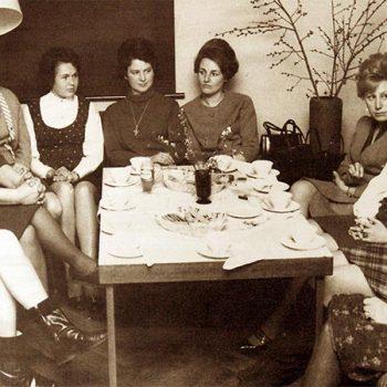 Frauengesprächskreis unter Leitung von Hilde Drechsel (l.i.B.)