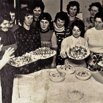 Das kalte Buffet mit Erika Merbach in der Lehrküche des Löhehauses (l.i.B.)