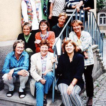 Engagierte Mitarbeiterinnen der Familien-Bildungsstätte vor dem Löhehaus