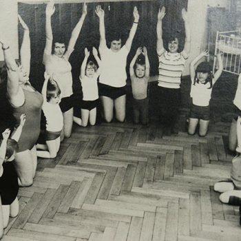 Mutter-Kind-Gymnastik im Storchenhaus mit Frau Prüfer