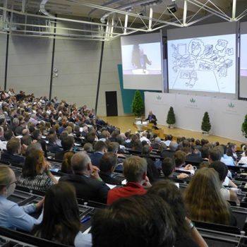 Kooperation: Vortrag Tiki Küstenmacher beim Ökonomiekongress der Universität im Audimax 2017