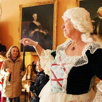2016 Markgräfin Wilhelmine alias Ute Domeyer bei Familienführungen im Bayreuther Schloss, Foto. E. von Poelnitz-Eisfeld